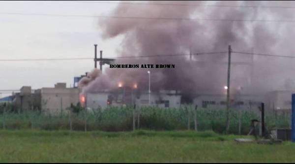 Más de 40 mil vecinos sin luz por un incendio en Edesur