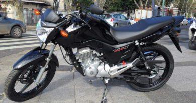 Burzaco: Detienen a dos hombres con una moto robada